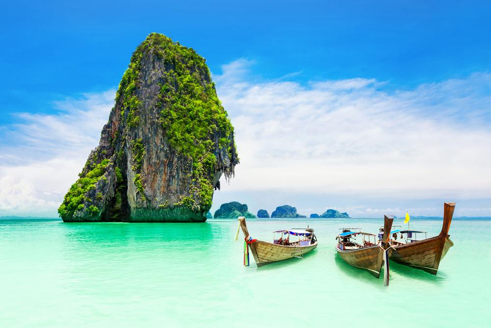 Want to visit Thailand? Now's your chance! Book with @Emirates by 4/7 for the latest deals!