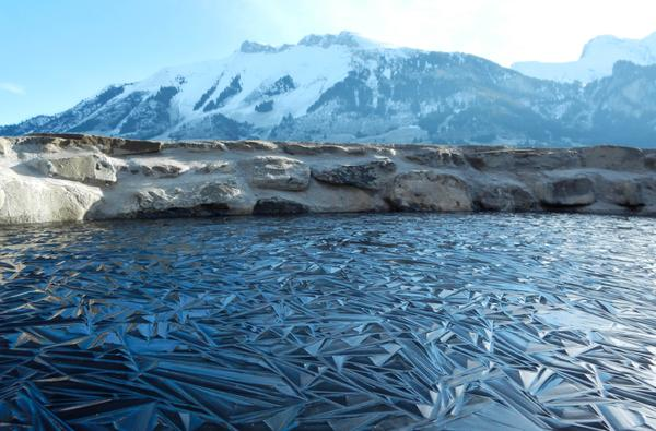 This is what a frozen pond in Switzerland looks like. http://t.co/2bV1tH3xrQ