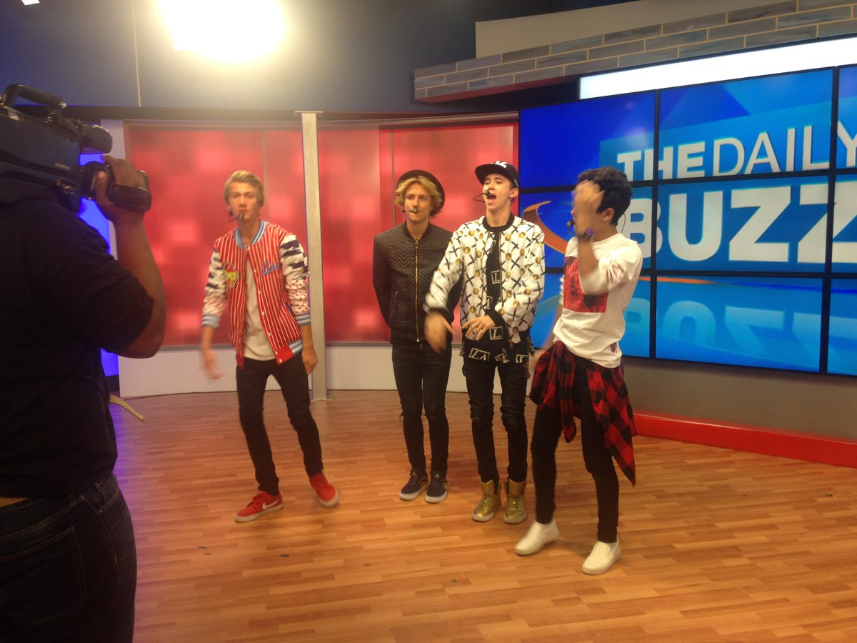 They're not only great singers, they're also sweet guys who crack us up #BehindTheScenes! #TheDailyBuzz http://t.co/z2MiyXP105