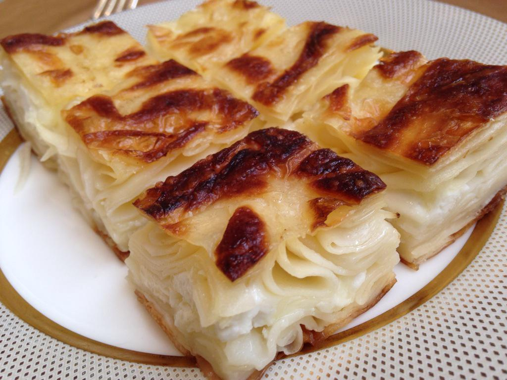 One of my favourite Böreks of all, Su Börek. Su (meaning water) Böreks are cooked in water, soft like pasta. And YUM http://t.co/nEYaZy2vE9