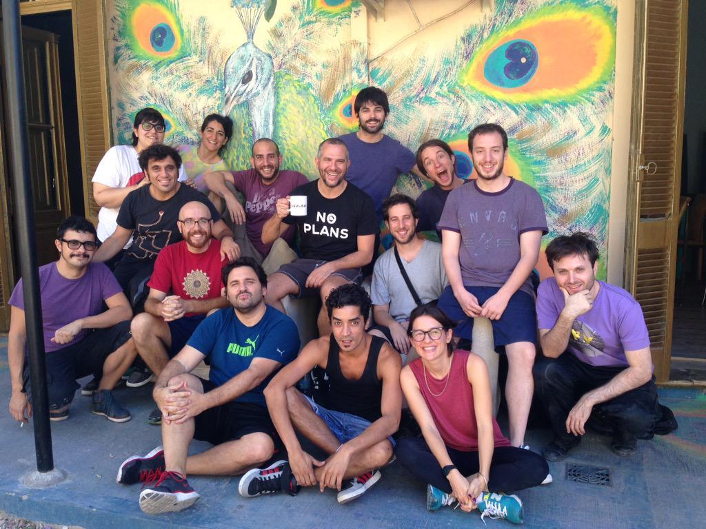 Final de taller con Cualcas y amigos (de cuando el trabajo divierte y hace feliz) @cualca @charolopez @crococro http://t.co/hVstbob947