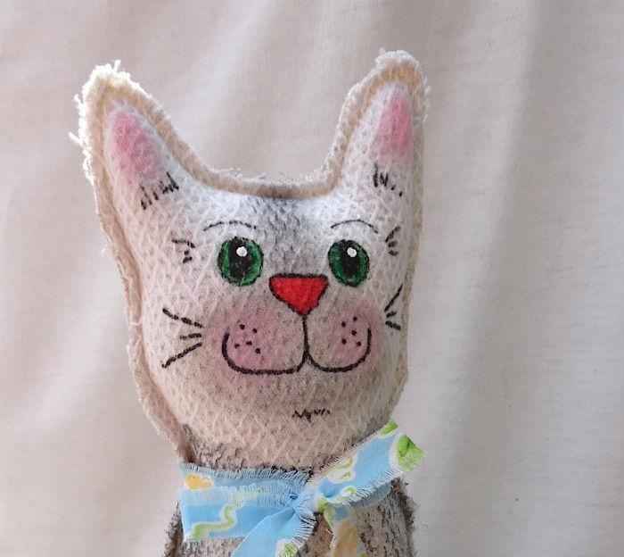 Meet Seymore the #cat! #Primitive #folk style creation from CrazyCatLovers! https://t.co/F77BHoTEiz http://t.co/ZSDhM5hp3J