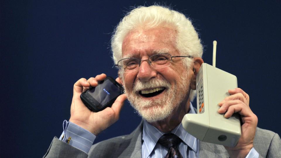 Un día como hoy hace 42 años se realizó la primera llamada móvil