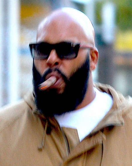 Suge Knight's lawyer condemns jail conditions in appeal
