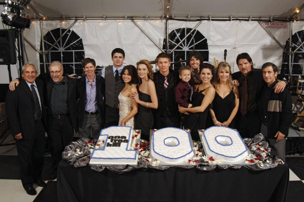 """There is only ONE Tree Hill, and it's your home."" #3yearswithoutOTH #OneTreeHill #OTHFamily #OTHMemories http://t.co/T2msJjpmrM"