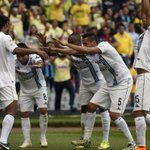 VIDEO: ¡Crack! Ronaldinho jugó 10 minutos y marcó doblete en triunfo de Querétaro en México http://t.co/a9nDhZ25cE http://t.co/lgoQQsggI5