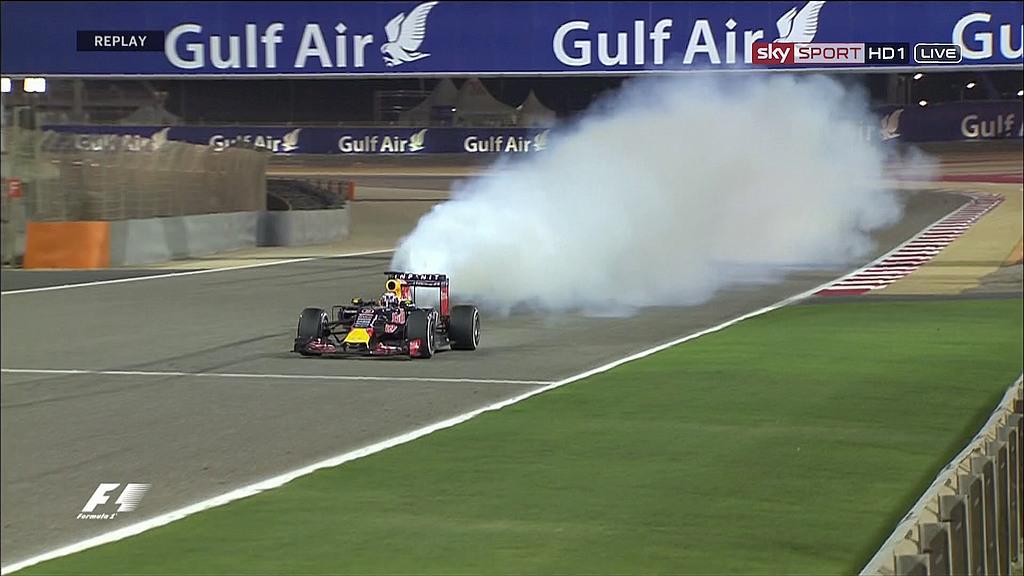 Je verwacht het niet. Nee, echt niet. #F1 #Renault #BahrainGP Prutsers.... http://t.co/VYoWFOLaRq