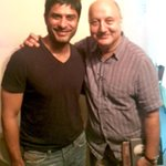 RT @bhallavikas: Watchd a incredibly inspiring act by the super talented @AnupamPkher - makes U laugh, cry, feel alive. Hats off Sir!! http…
