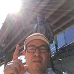 Post #VanSunRun selfie with Roger Neilson at #rogersarena #GoCanucksGo #Vancouver #Canucks #NHLPlayoffs @loveykai http://t.co/jqfQTYmSas
