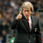 Quem gostava de ver este magnífico treinador, continuar a treinar o Benfica? #CarregaBenfica http://t.co/bTCyPRJ2LJ