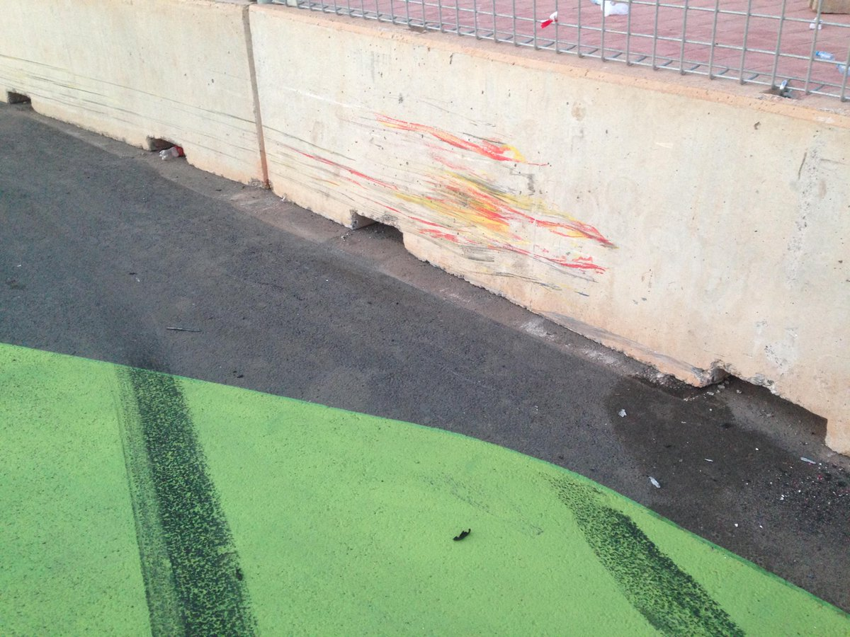 Modern art, @RaceOfMorocco style... This is @TomCoronel's wall... http://t.co/8VwK7DfIbC