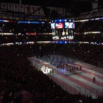 Absolutely love the @NHLBlackhawks anthem tradition before their home games. So cool to do in the United Center http://t.co/p5F8wQa5mW