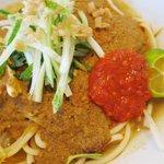 Org Johor dulu2 makan laksa Johor guna tangan je. Skg ni ramai lgi ke makan laksa Johor guna tangan ? http://t.co/jZXCMamm6H