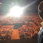 Please tweet me any word using #DerrenMiracle in the next 10 mins for my show in Bournemouth. Why thank you. http://t.co/6tUIcGsWcg