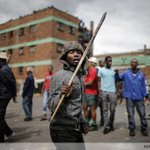 Ongoing violence: anti-migrant violence in Johannesburg @AFPphoto @SafodienMujahid @HeunisStefan @mlongari http://t.co/iCLsfotxc5