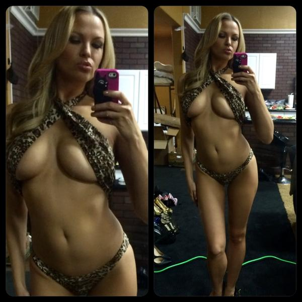 ?? RT : #FF pt.2 #Playmate wins 2nd place this #FriskyFriday for her wildly sexy