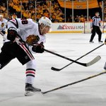 Welcome back, Patrick Kane. Kaner scores the equalizer as Blackhawks and Predators are tied 2-2 in the 2nd period.