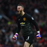 De Gea reportedly agrees to leave #mufc & Mourinho insists Klopp isnt after his job. Gossip: http://t.co/O8Ym5r5Uq6 http://t.co/HZ5ZJINXA5