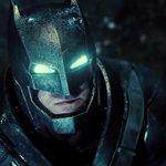 Первый трейлер «Бэтмена против Супермена»: теперь официально и в высоком качестве http://t.co/jBqGty4VdD http://t.co/SztgZrX8Ly