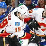 The #Flames fall in Game 2. Sunday - Game 3. Calgary. Series all tied up, 1-1. http://t.co/EcF7Grlvh4
