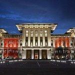 """@t24comtr: Ak Sarayın üç aylık elektrik faturası 3 milyon 614 bin lira imiş. Yorumsuz... http://t.co/3HWB29gu7r http://t.co/cuGCyZryqu"""