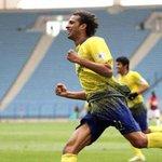 عماد الحوسني يتقدم بشكوى على نادي #النصر لـ عدم الحصول على مستحقاته البالغة مليوني ريال . http://t.co/AaASaMu3i4