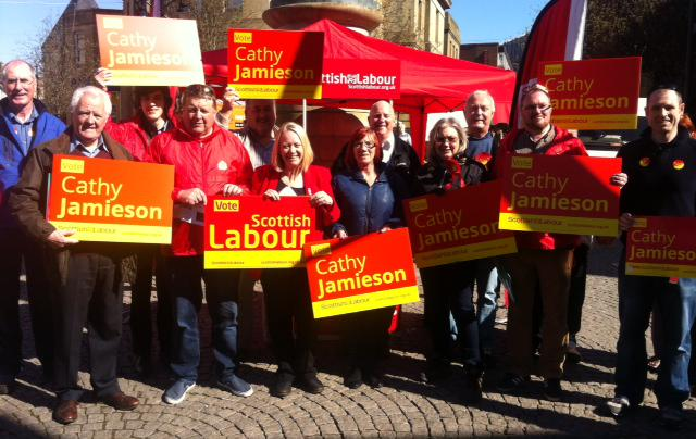 Speaking to local people in #kilmarnock about our manifesto pledges for young people @KillieLabour #GE2015 http://t.co/TgA5gfUeMI