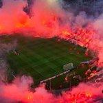 Lincroyable ambiance du stade du PAOK http://t.co/6ShYNgdnZL