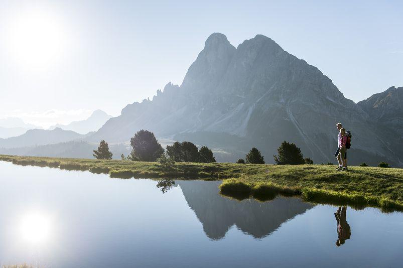 Schönen #WorldHeritageDay!Die #Dolomiten #Unesco Weltnaturerbe seit 2009. <3 http://t.co/ErK3Oh7f5p http://t.co/ZiTMmnZgAs