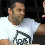 BREAKING | Defence continues final arguments in @BeingSalmanKhan hit and run case http://t.co/2tqWWvYaNz
