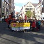 Demo gegen #Freihandelsabkommen zieht vor das #Heimatministerium in #Nürnberg. http://t.co/64hhGsAcwv