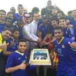 احتفل لاعبو شباب #النصر بمدربهم الكابتن سعد الشهري وذلك بمناسبة حصوله على رخصة A الآسيوية . #NFC http://t.co/UfCUw8616i