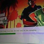 Lagi install GTA V!   Kuat ngga ya spek laptop gua? :3 http://t.co/mKfRtKGBov