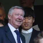 Sir Alex Ferguson and Park Ji Sung at Stamford Bridge today http://t.co/M99ob4Vtz4