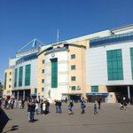 Weve arrived bright and early at Stamford Bridge! Any Reds about? http://t.co/RckD72FrE4