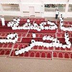 #الأكثر_مشاهدة، طلاب إحدى المداس يُشكلون في مُصلّى المدرسة لوحةً جميلة دعماً لـ #عاصفة_الحزم .. #السعودية . http://t.co/akucFm6Hy6