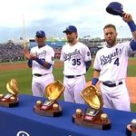 ICYMI: Alex Gordon, @TheRealHos35 & @SalvadorPerez15 receive 2014 Gold Gloves: http://t.co/5jiuA4RPPF #ForeverRoyal http://t.co/49IFDwwMLa