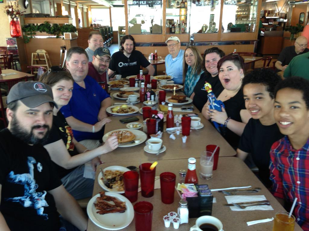 #NEAFPosse #NEAF2015 Breakfast at the Airmont Diner http://t.co/tlAzh78GW5
