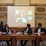 Grazie al ministro @bealorenzin per le belle parole sul nostro Festival #galileo15 @CorInnovazione @Corriereit http://t.co/qHe9DhCCrn