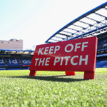 The stage is set in west London, where @ChelseaFC entertain @ManUtd at 1730 BST. Team news will be with us in 30 mins http://t.co/qImjrW3VwZ