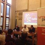 Massimo Banzi, fondatore di #arduino al festival #galileo15 di @VeneziePost con @stefanomicelli e @massimosideri http://t.co/fZYrs68ozc