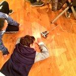 Clacson a palla e sgommate lunghissime per i robottini costruiti oggi con #arduino http://t.co/TZECGa4Tu3