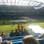#MUFC subs warming up in Stamford Bridge sun http://t.co/5lOld28tBs