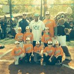 Threw 1st pitch at Mercer Island little league thx to @sparklingice! S/o @Mariners moose #rc22foundation #canocrush http://t.co/1AFFJokb0x