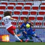 Depois de canetas, David Luiz perde chance incrível em jogo do PSG pelo Campeonato Francês  http://t.co/D1fhy9ODQD http://t.co/87rvyuOFid