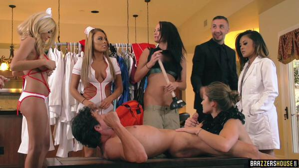 Shit's getting crazy at the on ! Wtf is going on here? Check out ep5. VOTE #TEAMBENZ
