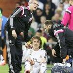 OFICIAL: Luka Modric estará fuera 6 semanas por una lesión en el ligamento. RT: ¡FUERZA LUKA! http://t.co/ZzI43qDQgO