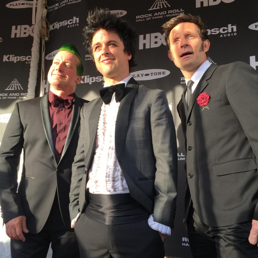 .@GreenDay has arrived at #RockHall2015 Induction Ceremony!! http://t.co/uDDKqdZCWz
