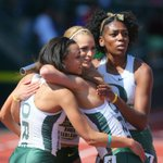 Oregon wins the womens 1,600-meter relay final in 3:42.51. http://t.co/ywtcX16K8n