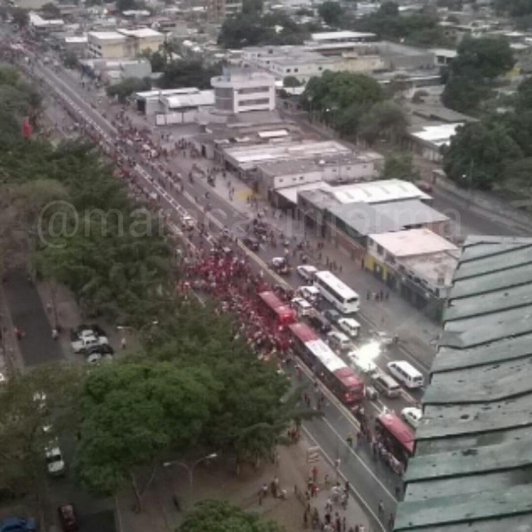MARACAY INFORMA ® (@MARACAYINFORMA): Una cosa es ver VTV y otra es la realidad, inaguracion del TransCaos Maracay http://t.co/CNoOoJ4zpn